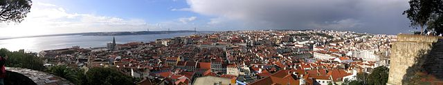 640px-Panorama_Lisbonne_08-12-2007